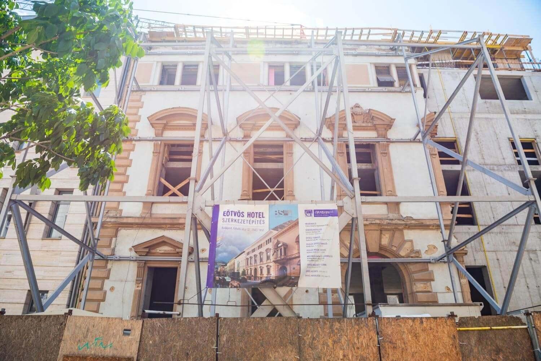 Megőrzi műemlékvédelmi homlokzatát az épülő fővárosi hotel