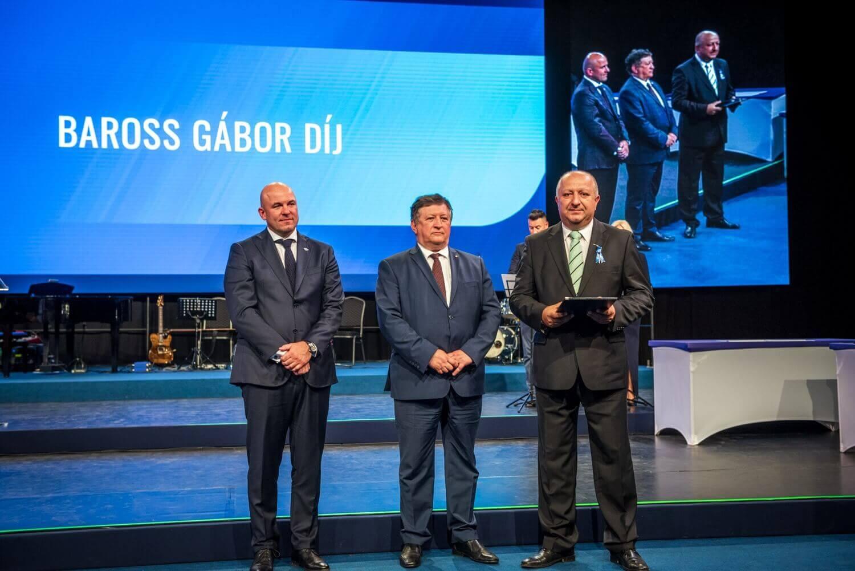 A legmagasabb miniszteri elismerésben részesült a Duna Aszfalt innovációs főmérnöke