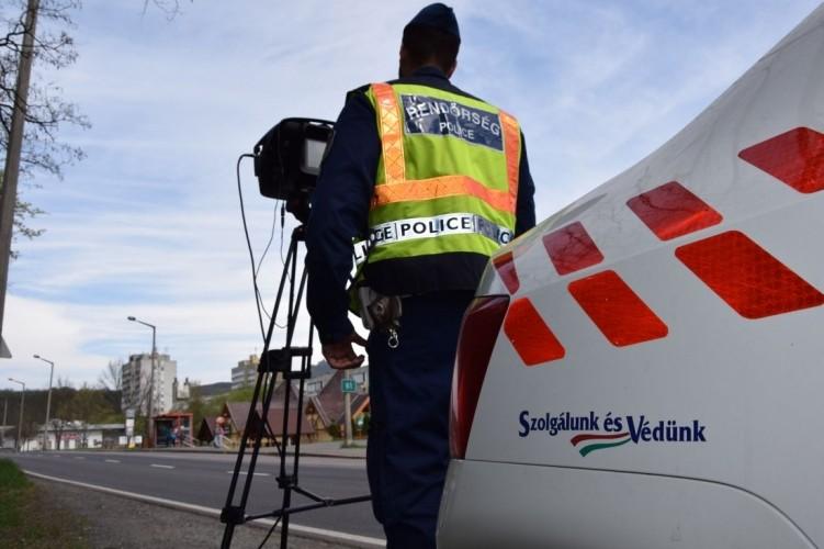 Egész nap Salgótarjánban ellenőriznek rendőreink