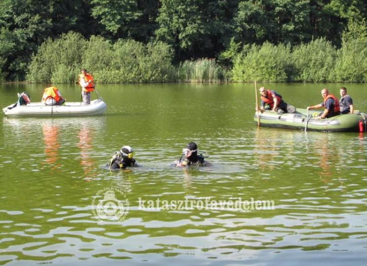 Vízből-mentési gyakorlat Balassagyarmaton