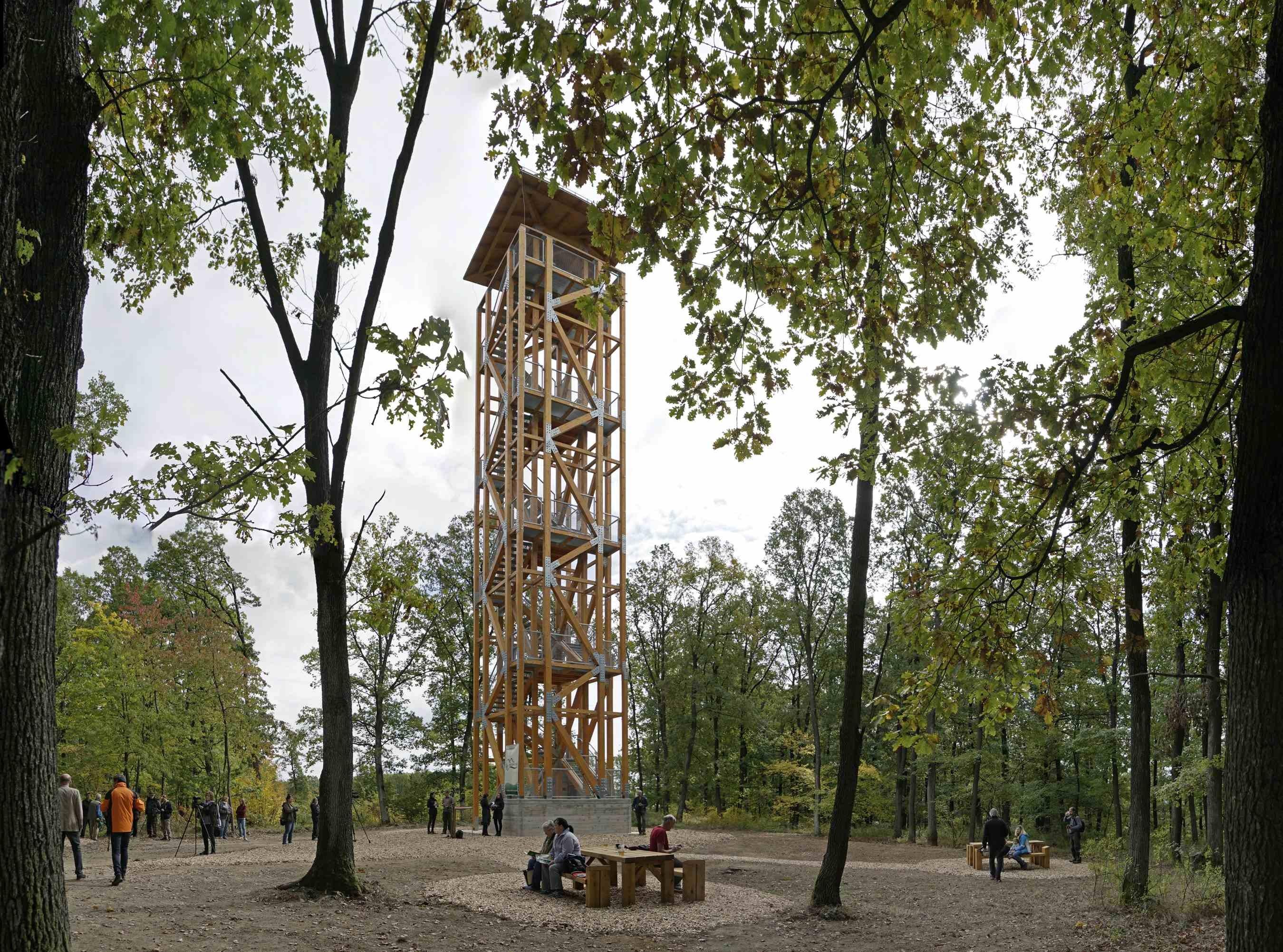 26 méter magas kilátót adott át az IPOLY ERDŐ Zrt.