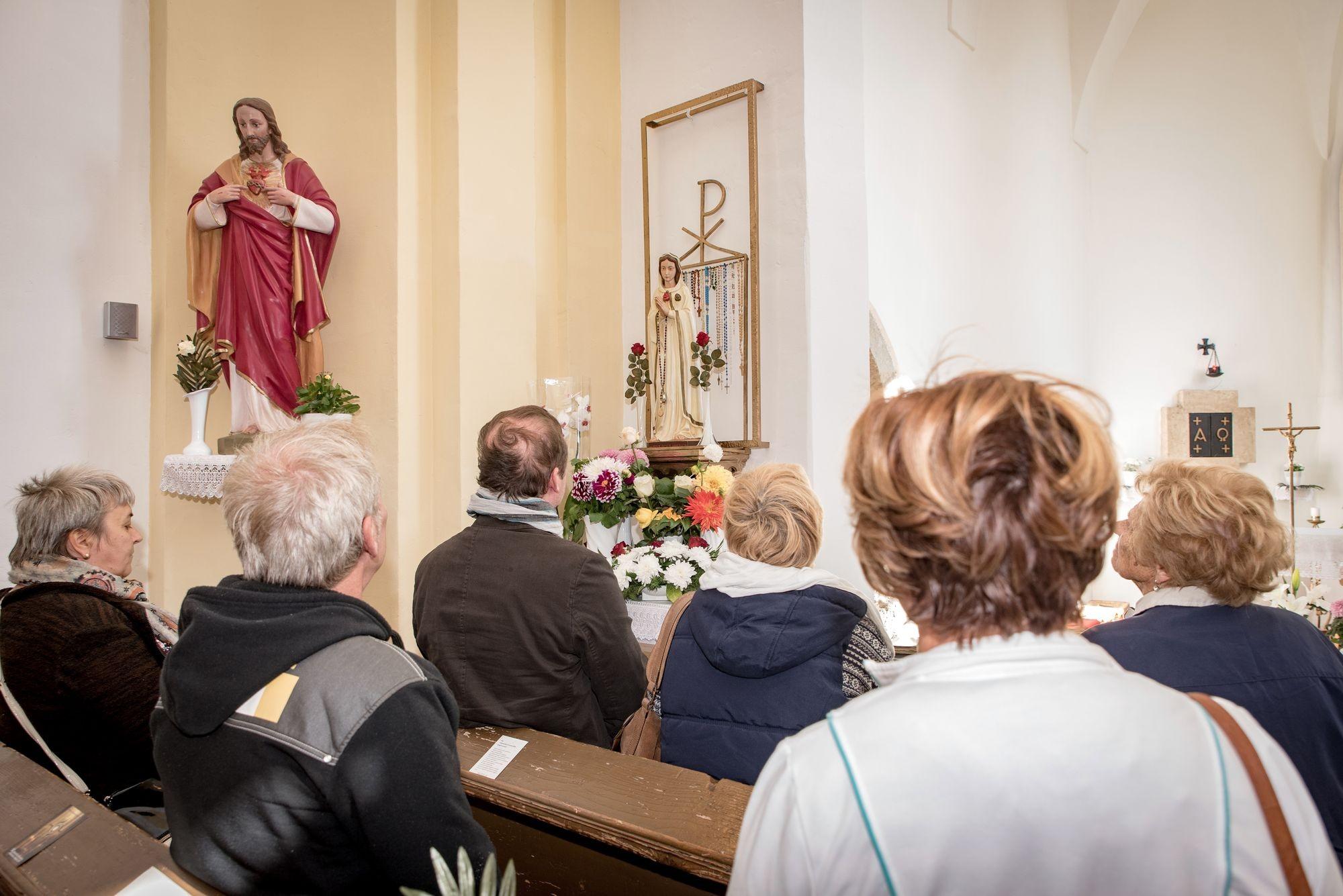 Ezért rohamozzák hónapok óta a nógrád megyei templomot