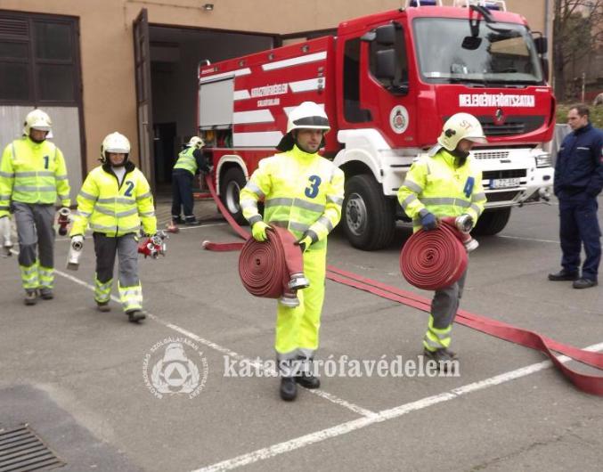 Huszonnégy új önkéntes tűzoltóval gazdagodott Nógrád megye