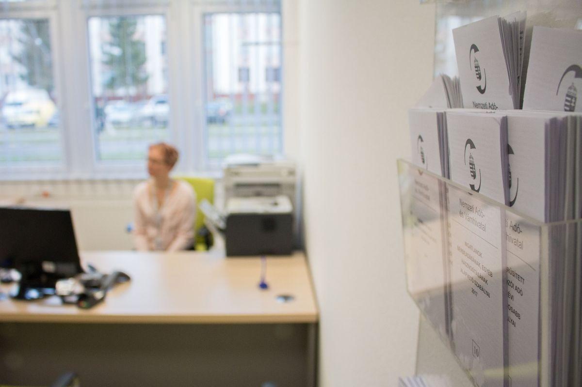 Nógrád három városában is megnyíltak a NAV ügyfélszolgálatok a kormányablakokban