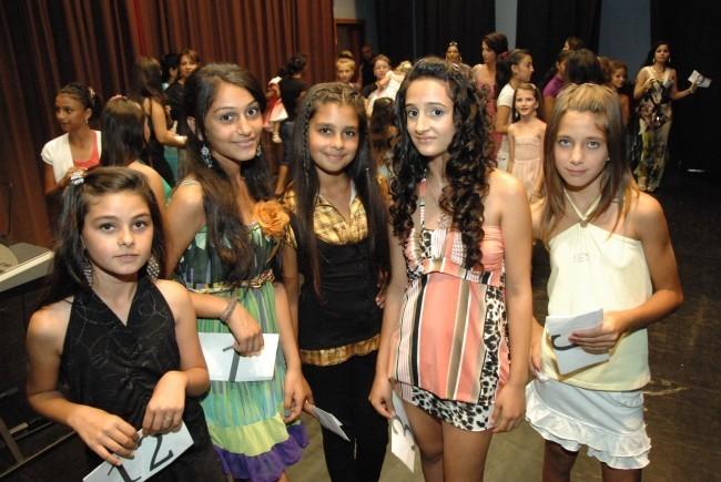 A mohorai lányokat segíti a Czinka Panna Roma Kulturális Egyesület