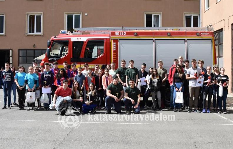Salgótarjáni középiskola nyerte el a vándorkupát