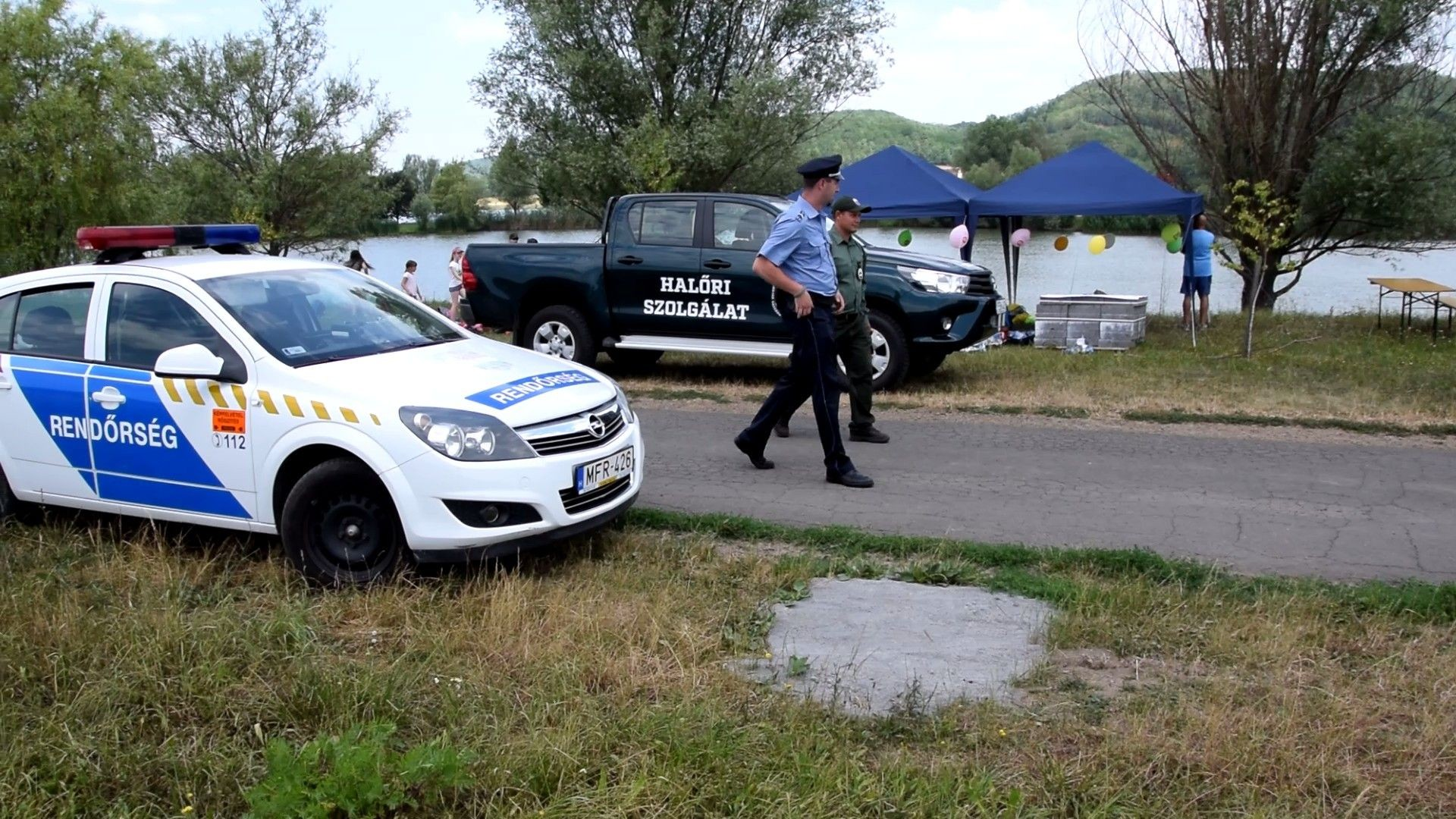 Rendőrök segítik a halőrök munkáját Nógrádban