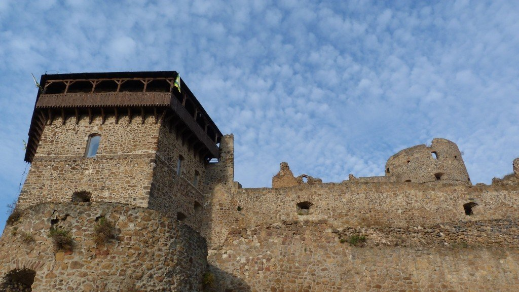 Megmentik a füleki vár több mint háromszáz éves bástyáját
