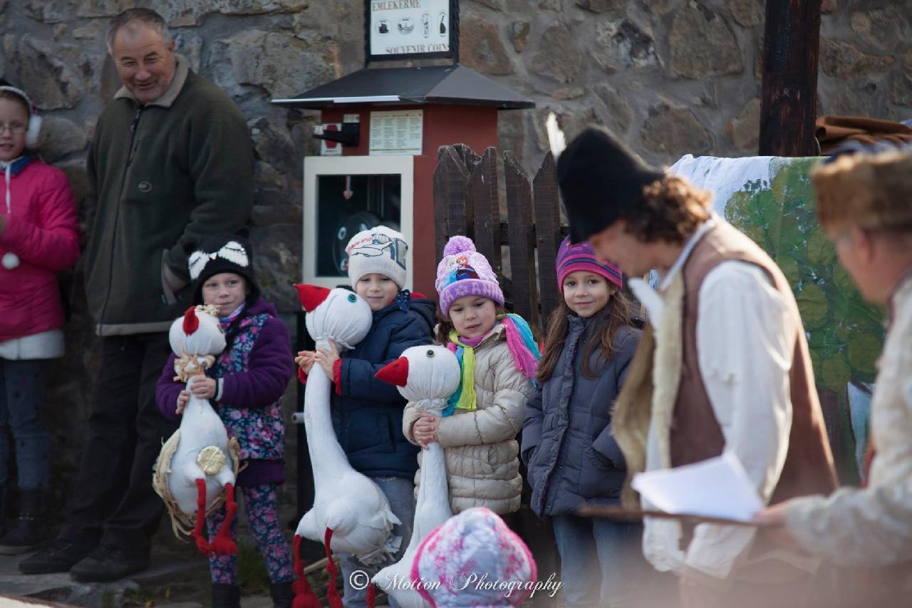 Szent Márton Napi Vigasság ismét elhozza Hollókőre a falu védőszentjének ünnepét
