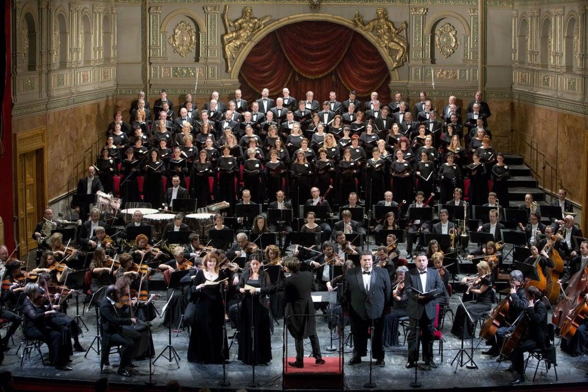 Salgótarjánban is turnéznak az Opera együttesei