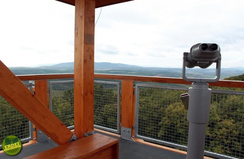 Webkamera és meteorológiai állomás a Prónay-kilátó tetején