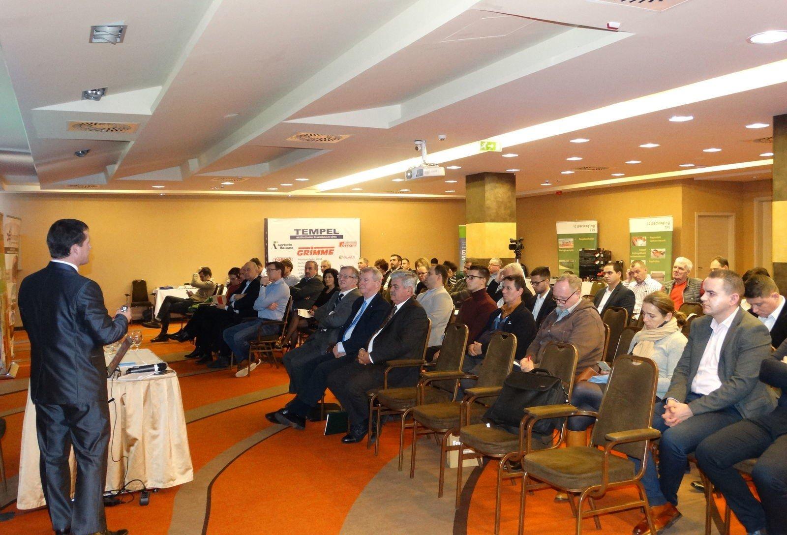 Évértékelő konferenciát tartottak Mátraházán