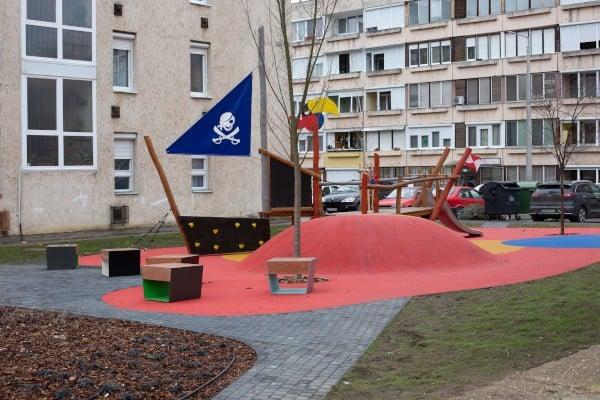 Izgalmas játszóterek várják a salgótarjáni kisgyerekeket