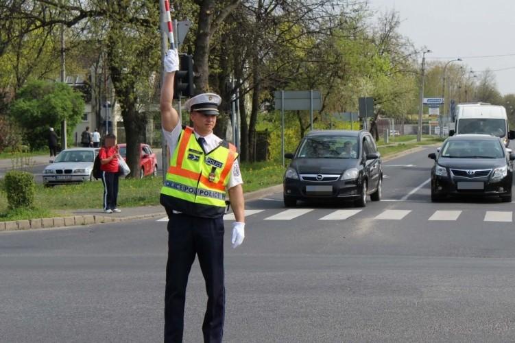 Fokozott rendőri jelenlét lesz az utakon Húsvétkor