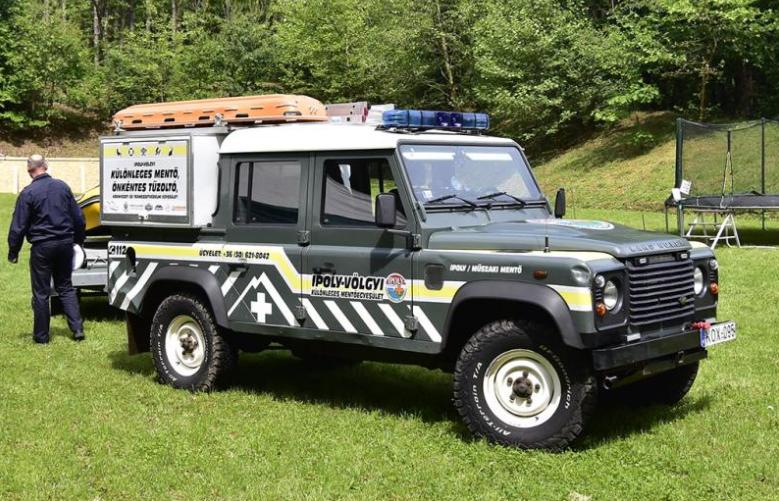 Egyedileg átalakított terepjáró gépkocsi szolgálja Nyugat-Nógrád lakóinak biztonságát