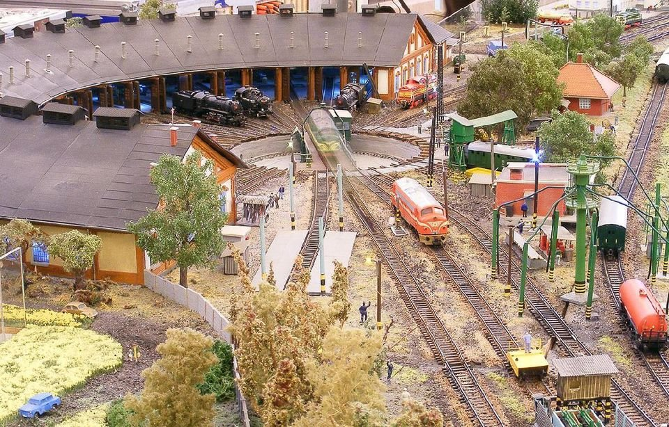 Játék a kastélyban: minőségi vasútmodellezés Gödöllőn