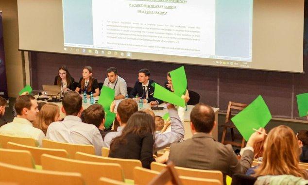 Kisebbségbarát politikát kérnek a V4+ fiataljai