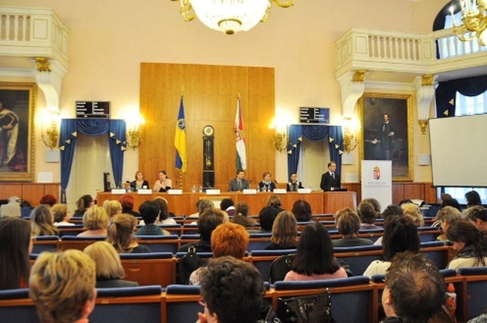 Anyakönyvi konferencia a kormányhivatalban