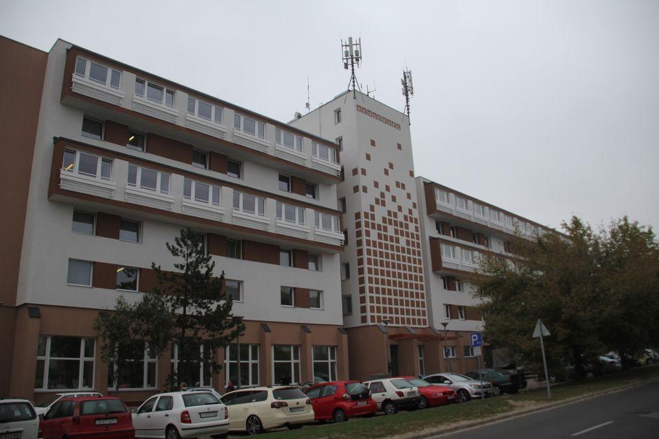 Átadták a Dunakeszi Rendőrkapitányság felújított épületét
