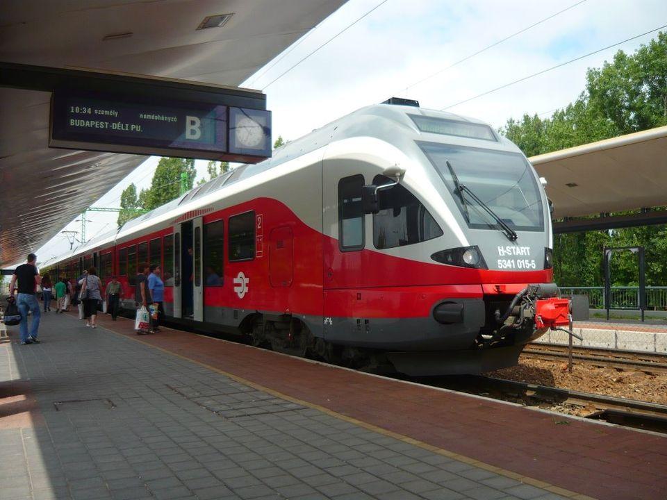 Vasárnaptól hatályos az új vasúti és Volán-menetrend
