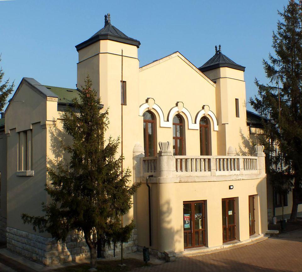 Megszépült Dunakeszi Művelődési Háza