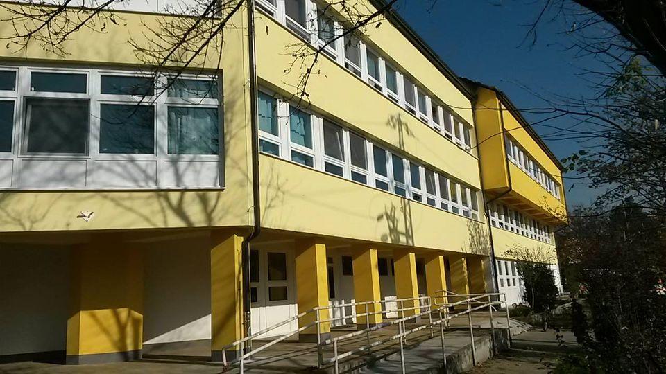 Átadták a Dunakeszi Szakorvosi Rendelőintézet felújított épületét