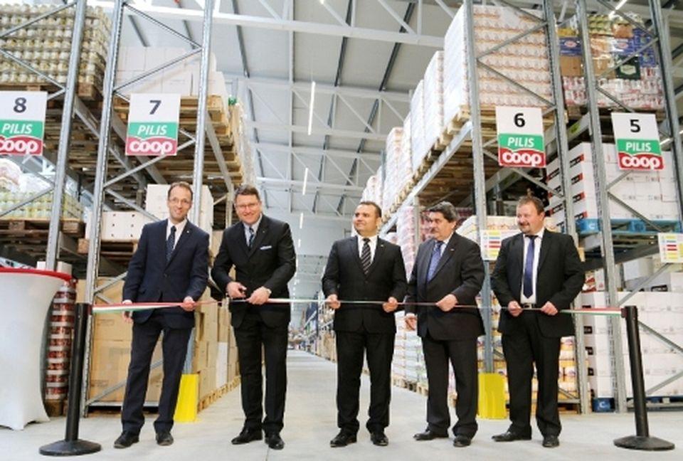 Új logisztikai központot adtak át Pilisjászfalun
