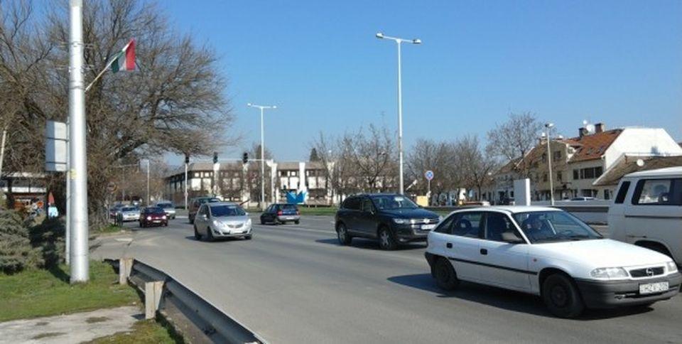 Úton van a 11-es főút Szentendrei szakaszának zöldhulláma