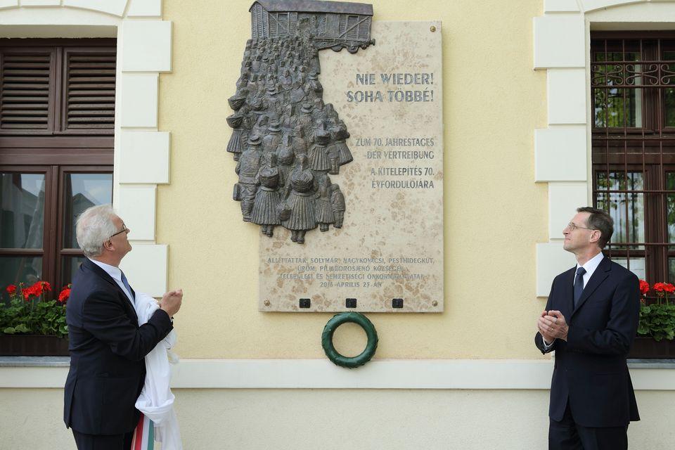 A német kitelepítés 70. évfordulójára emlékeztek Solymáron