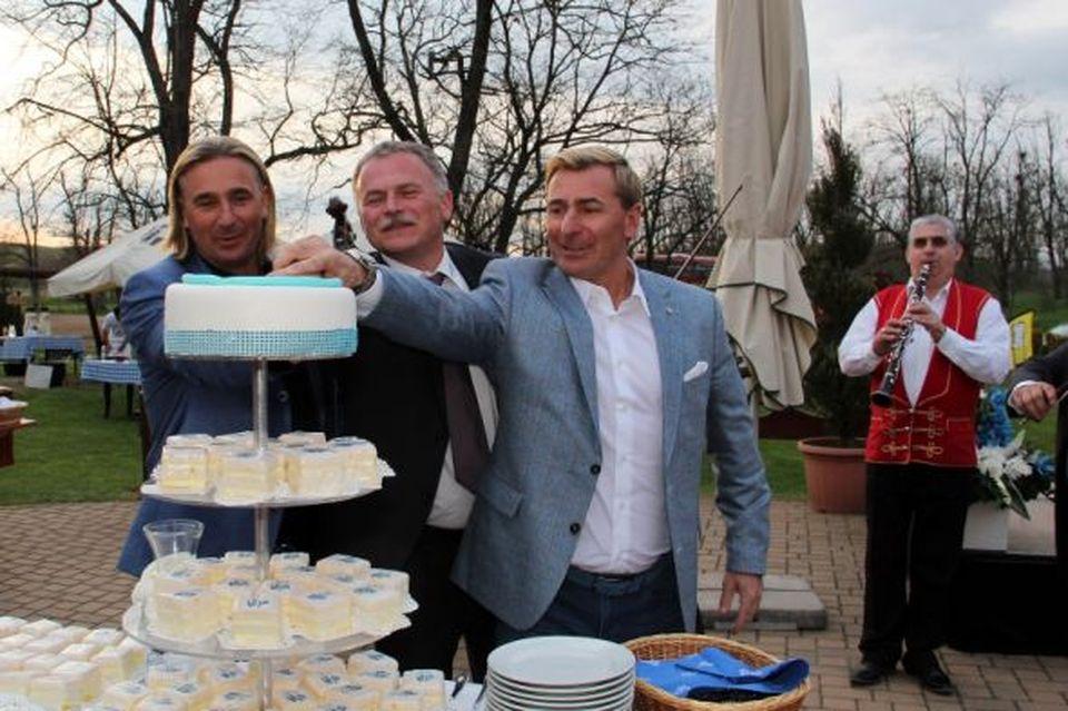 Gasztroélményekkel ünnepelt a Lázár Lovaspark