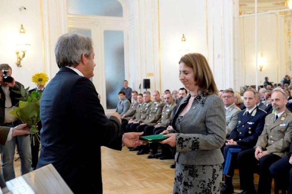 Elismerés honvédelmi munkáért