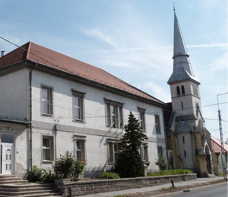 A remény jegyében tárulnak ki a templomkapuk Pest megyében