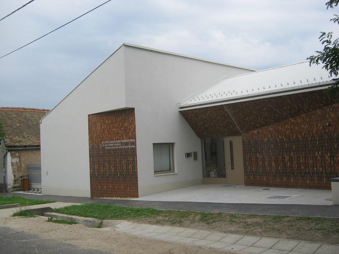 Értelmileg akadályozott diákok kaptak új iskolaépületet Budaörsön