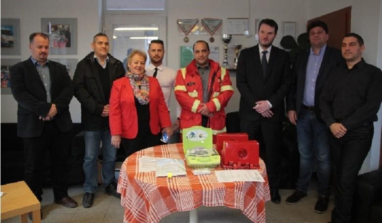 Nyolcszázezer forint értékű adományt kapott a Budaörsi Mentőállomás