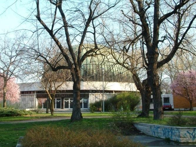 Felújítás miatt bezár a megrongálódott fővárosi Planetárium