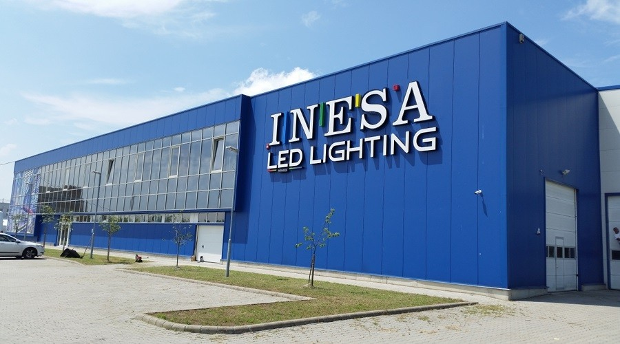 K+F üzemmel bővíti dunakeszi központját a LED-gyártó