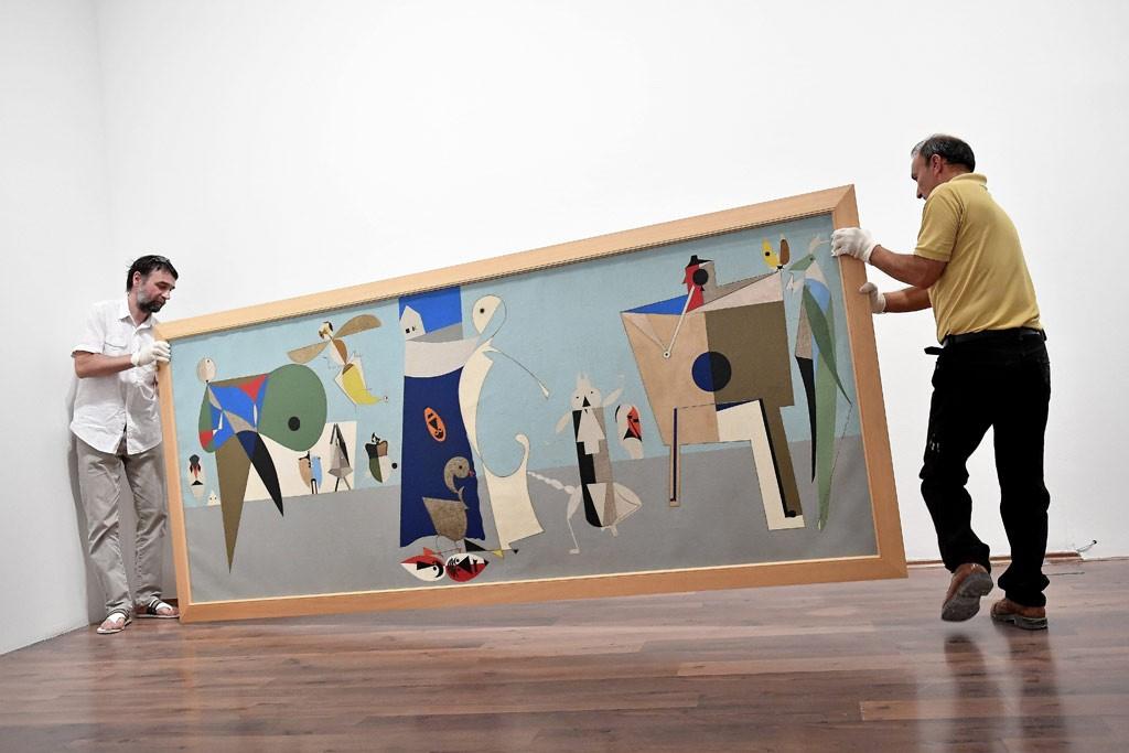 Az avantgárd meghatározó alakjának festményeiből nyílt kiállítás Szentendrén