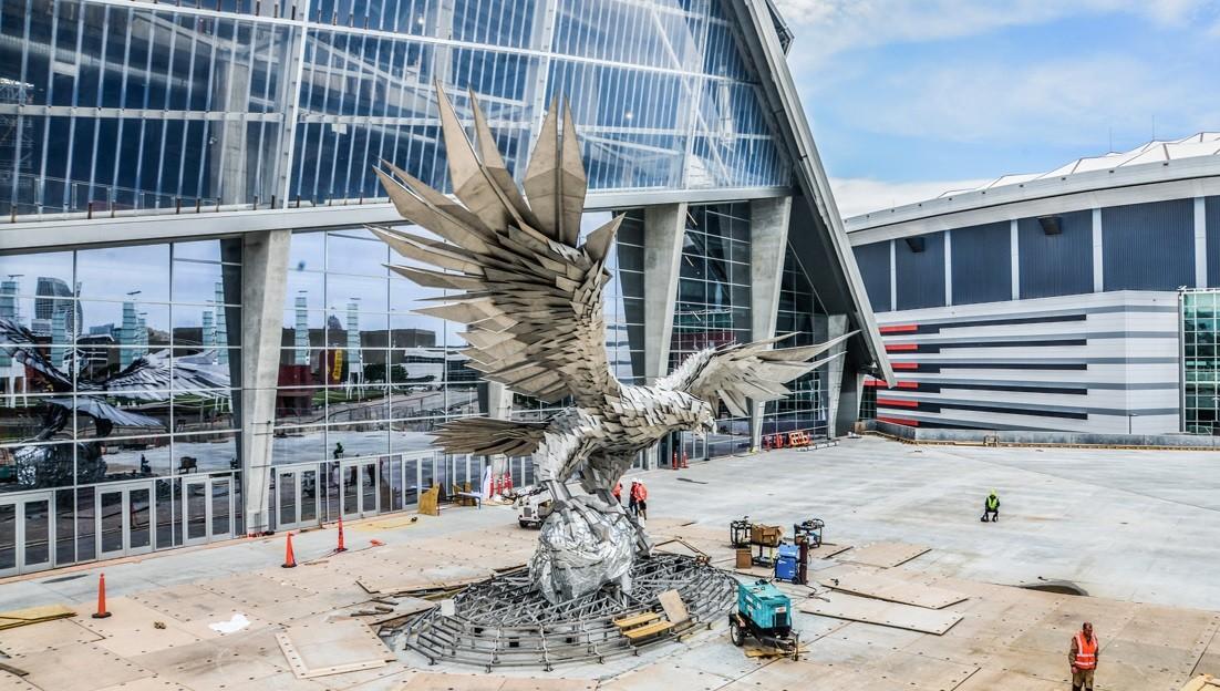 Csepelen készült el a világ legnagyobb madárszobra