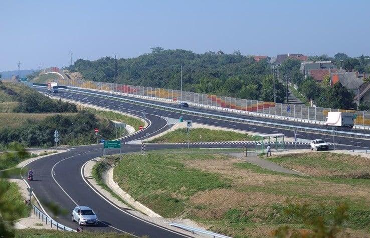 Jó hír az alsógödieknek: hamarosan épül az M2-es új bekötőútja