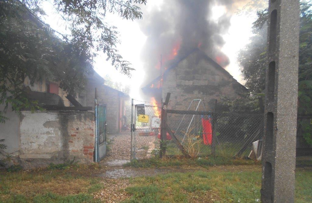 Civilek mentettek életet egy nagytétényi tűzesetben