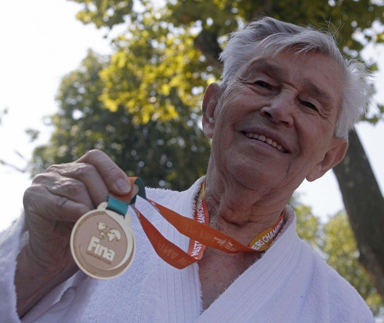 Aki legyőzte az időt: 97 évesen 19-edszer lett világbajnok a magyar úszó