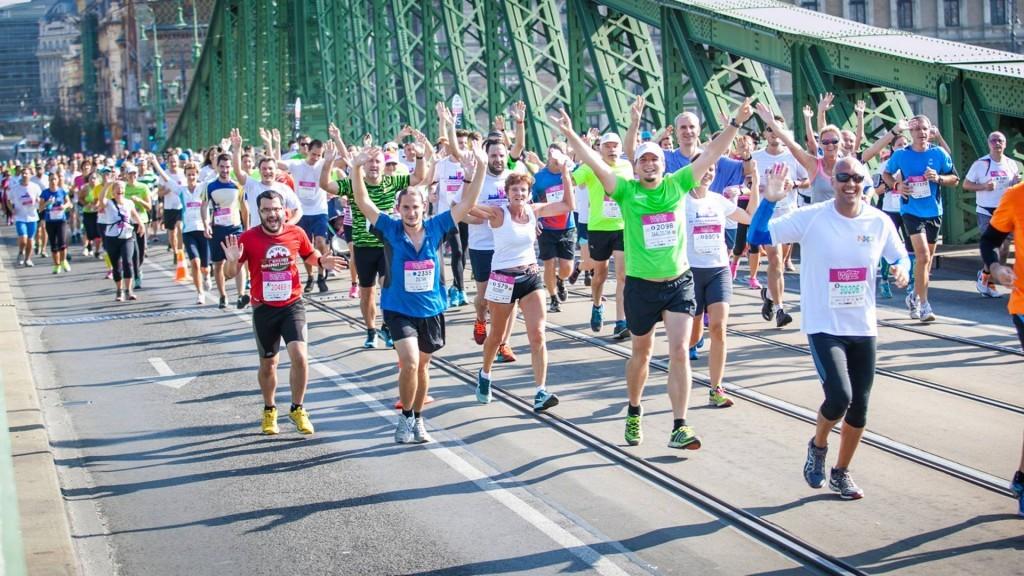 Vasárnap a futók veszik át a hatalmat a fővárosi forgalomban