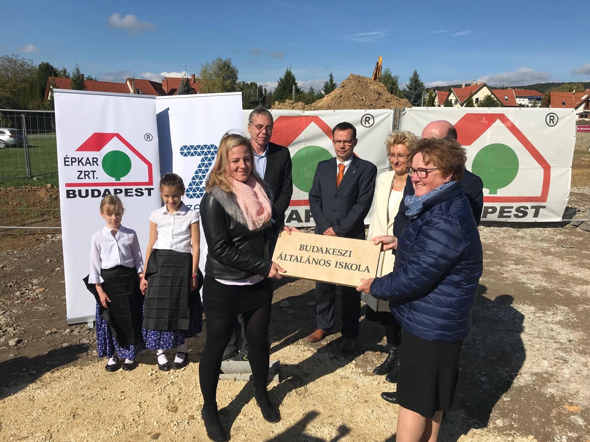 Letették Budakeszi új iskolájának alapkövét