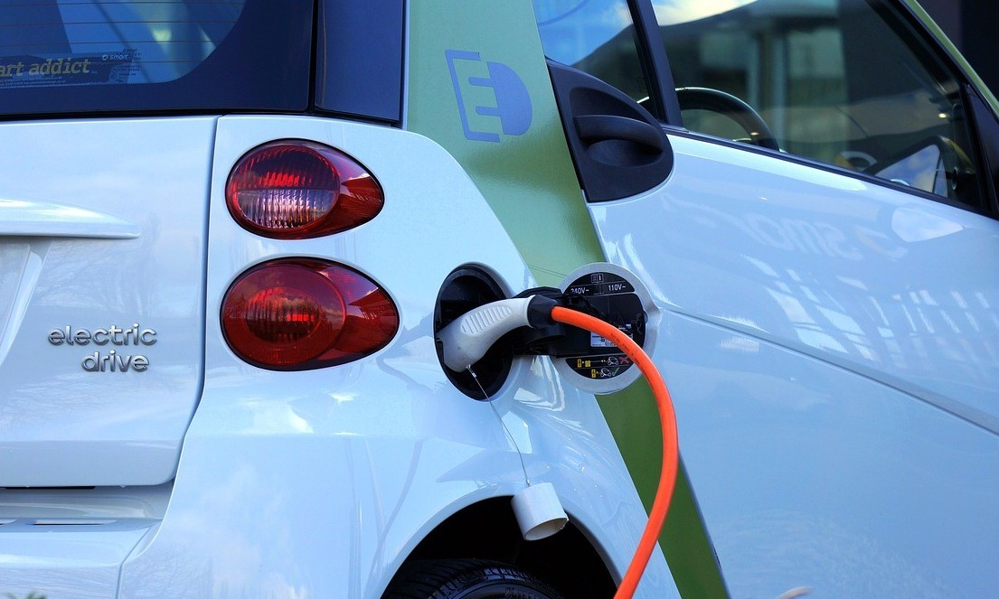 Zuhanórepülés fenyegeti a benzinárakat