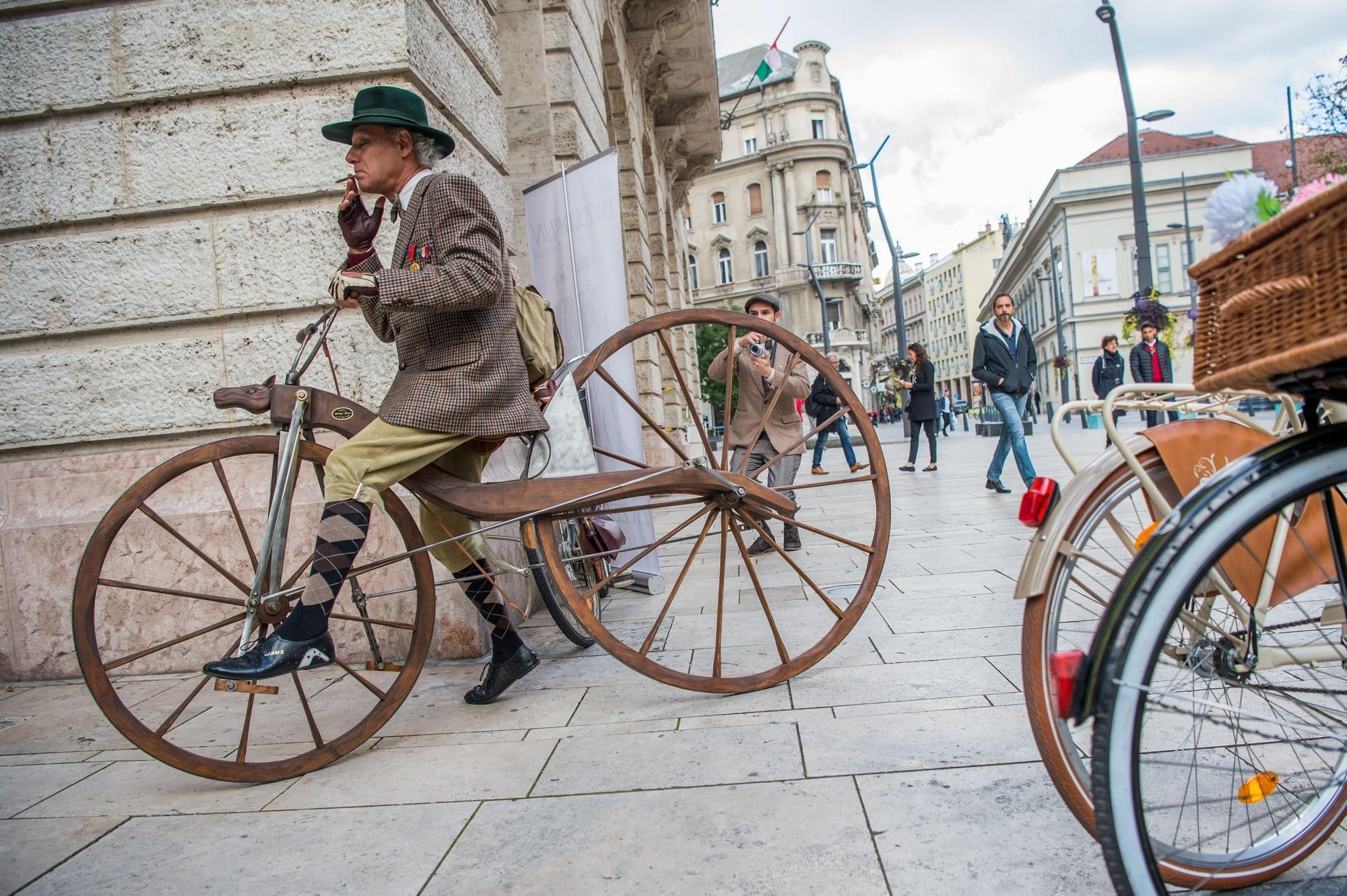 Kerékpáros időutazás Budapesten