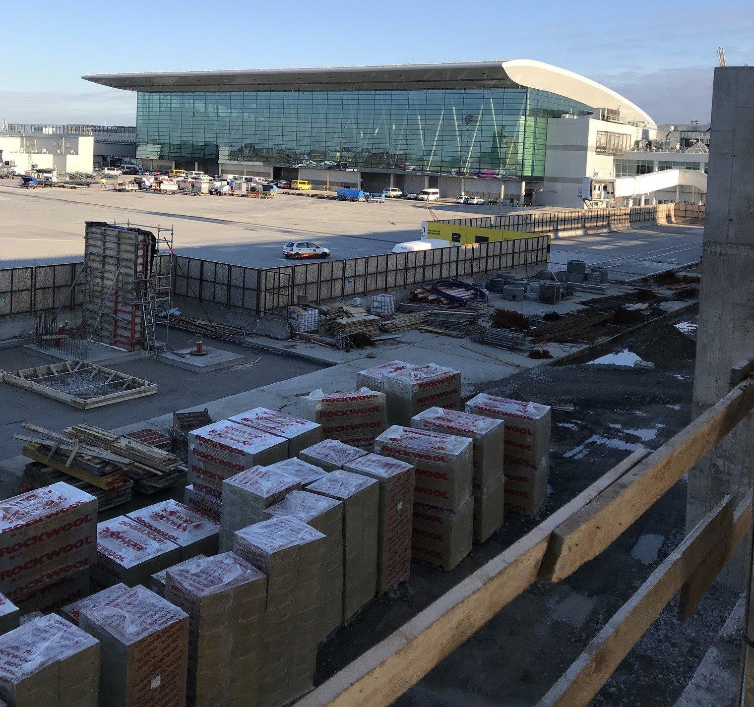 2018 végéig tízezer négyzetméterrel nő a Ferihegyi repülőtér