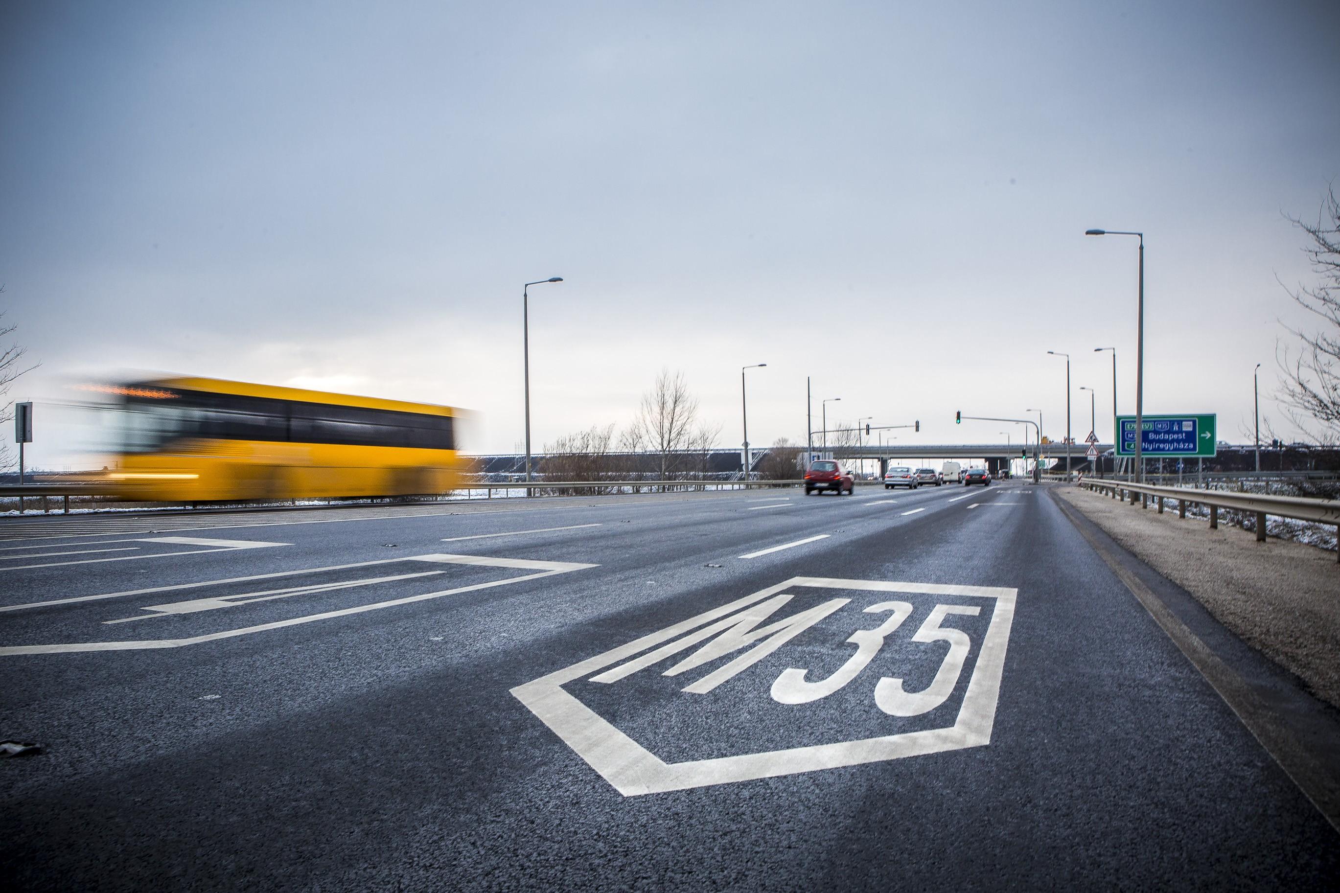 Keddtől már nem büntetik az autópályára betévedt autósokat