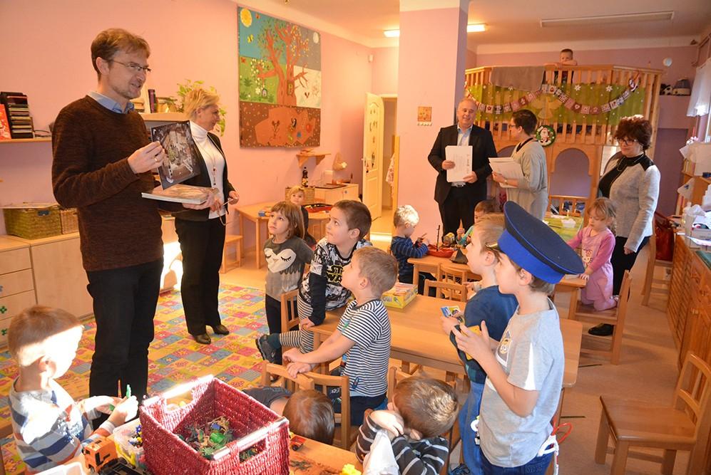 Minden szentendrei ovis és kisiskolás adventi naptárat kapott ajándékba
