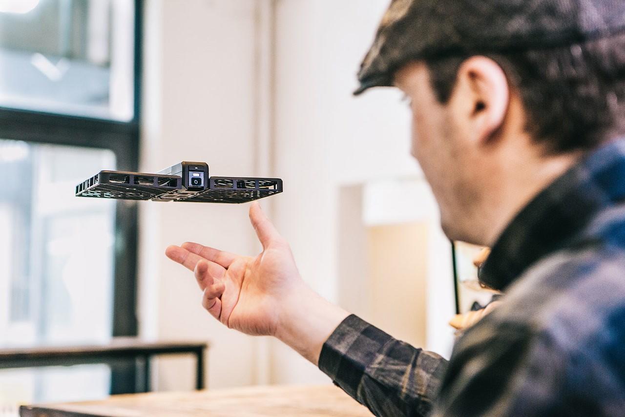 Drónszelfi és víz alatti robotok az Óbudai Egyetemen