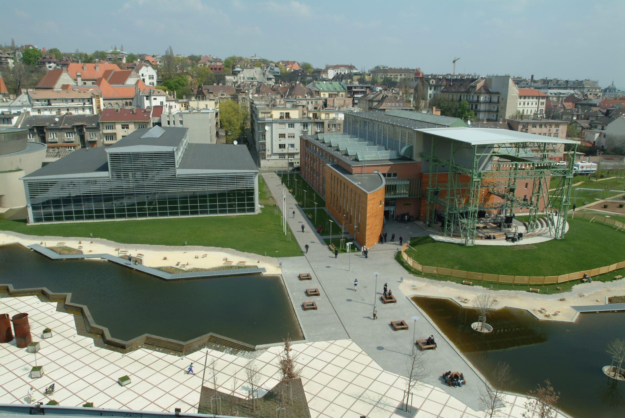 A Széll Kálmán tér és Bel-Buda után a Millenáris is a megújulás útján